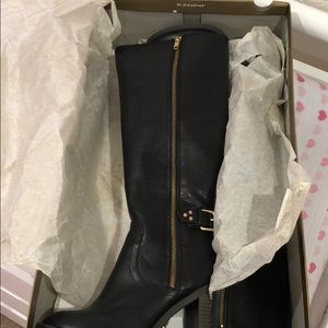 LC black boots